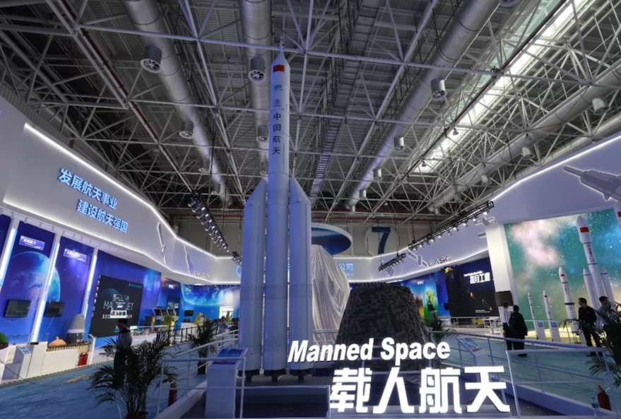 China to develop two super-heavy launchers for moon missions